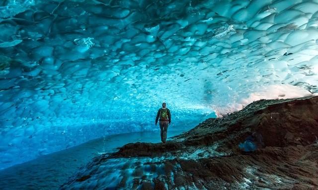 Пещеры ледника Менденхолла(Аляска,США)