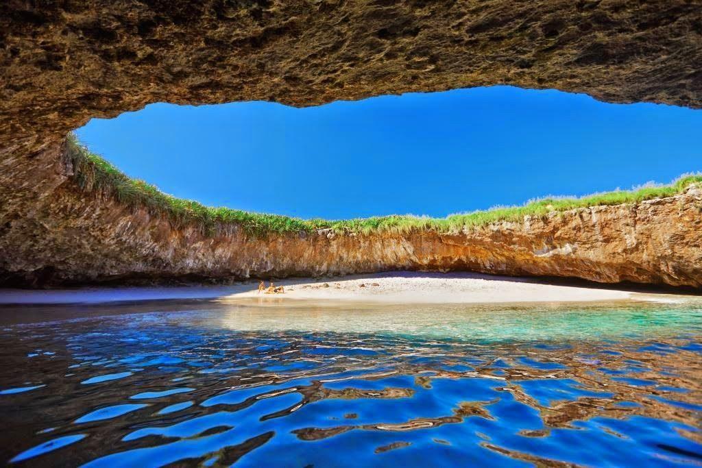 Скрытый Пляж в Пуэрто-Вальярто, Мексика