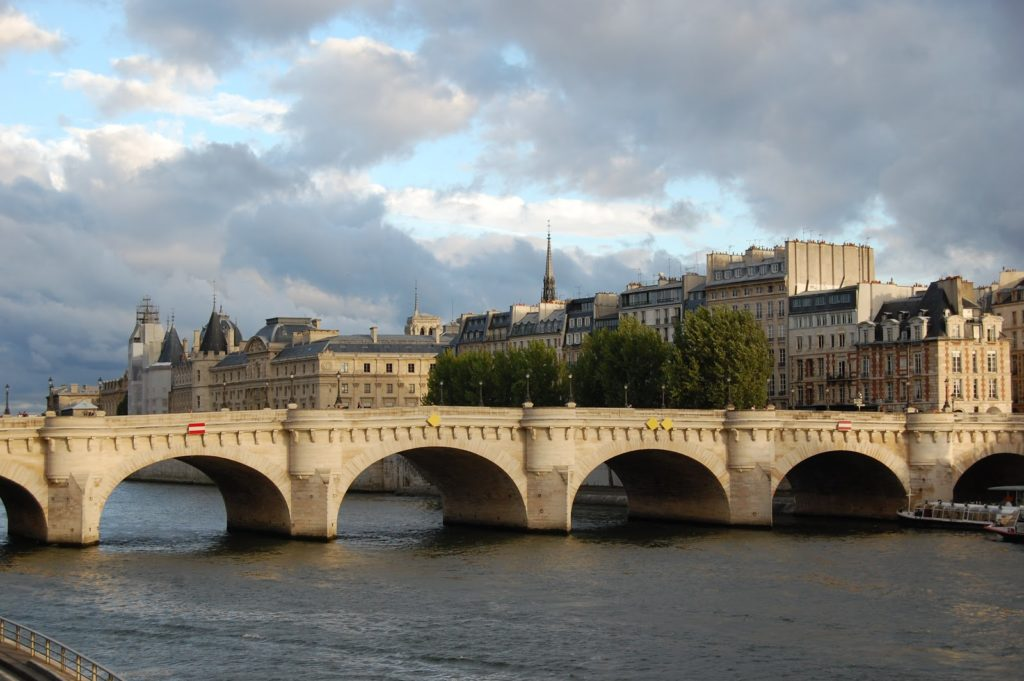 Пон-Нёф (Новый мост). Париж, Франция.