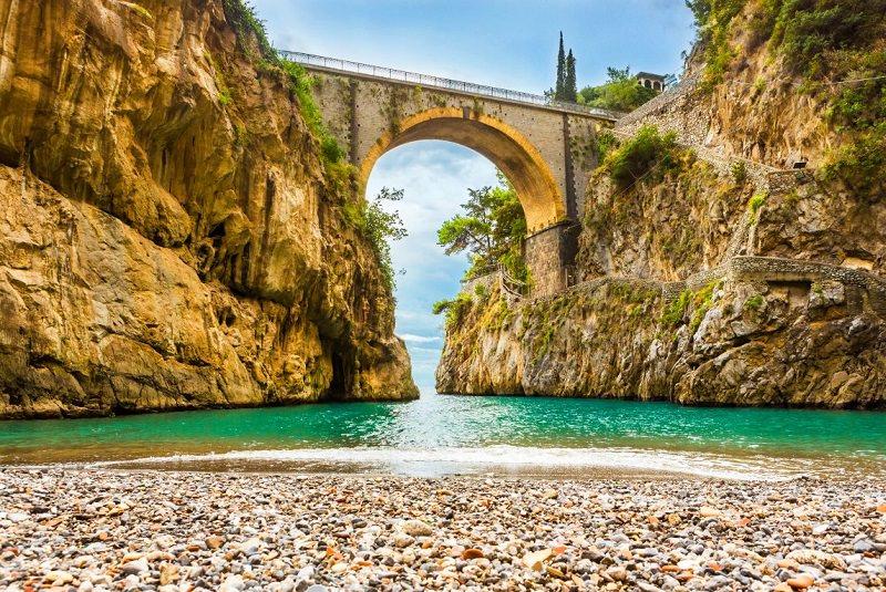 Фуроре - скрытый пляж на побережье Италии