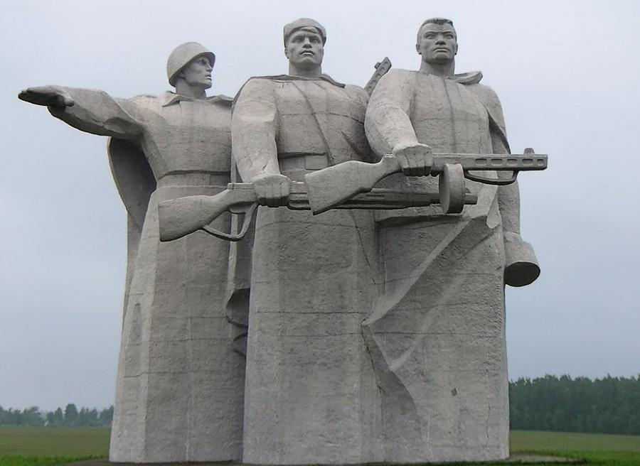 memorial-geroyam-panfilovtsam-v-dubosekovo
