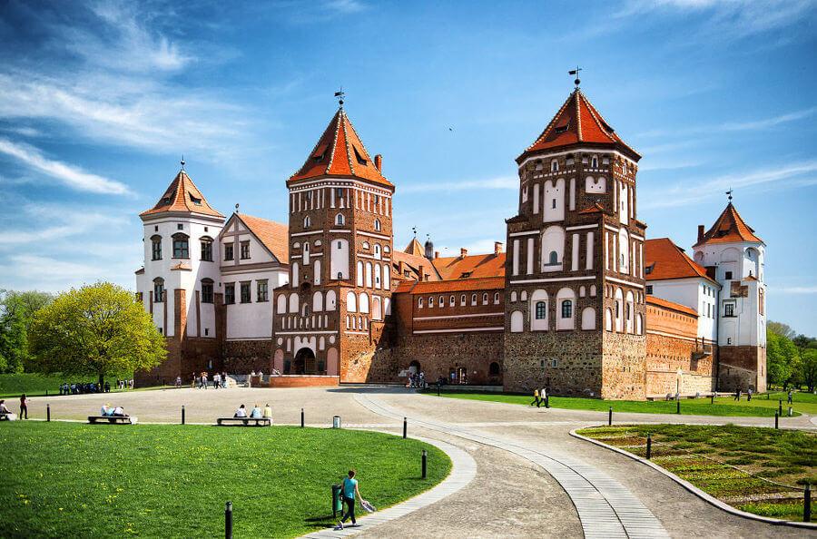 Мирский замок: история, описание (фото)