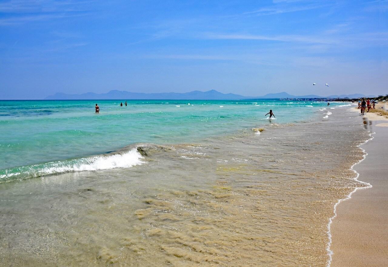 Пляж Плайя-де-Муро, Майорка